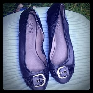 Cute black buckle flats